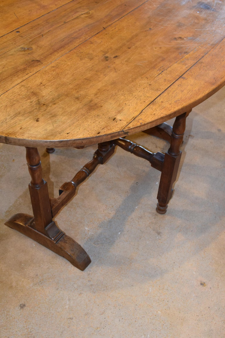 19th Century French Wine Tasting Table For Sale 1