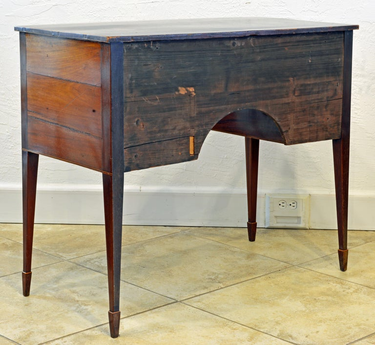 Georgian 19th Century George III Bowfront Mahogany and Satinwood Inlay Writing Desk For Sale