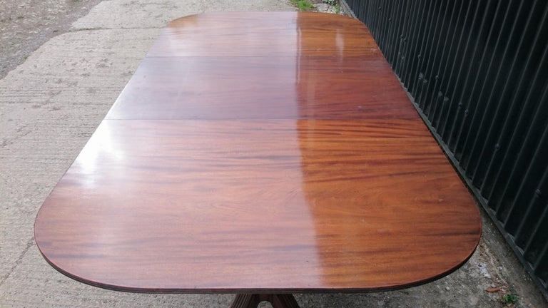 19th Century George III Period Mahogany Twin Pedestal Antique Dining Table In Good Condition For Sale In Gloucestershire, GB