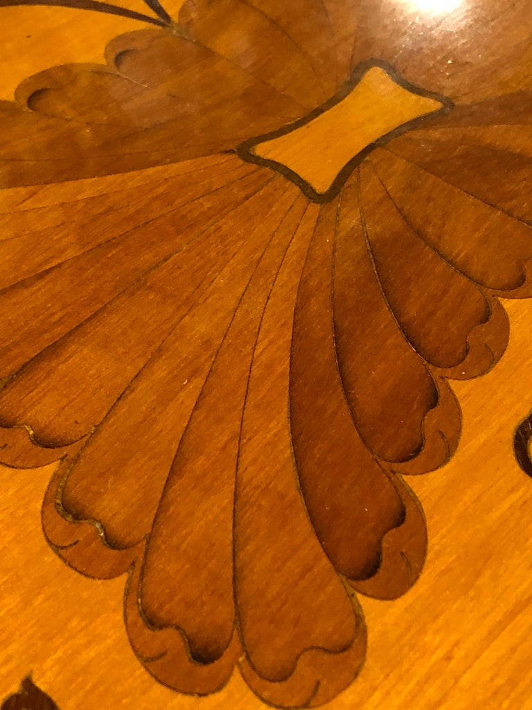 19th Century George III Wood Mahogany Inlay Tea Tray Tables Dishes, 1820s For Sale 4
