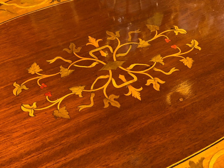19th Century George III Wood Mahogany Inlay Tea Tray Tables Dishes, 1820s In Good Condition For Sale In Roma, IT