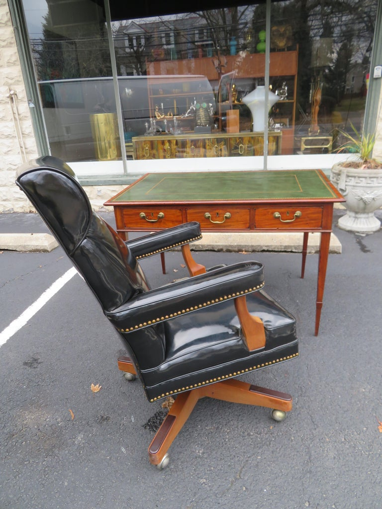 19th Century George III Double-Sided Partner Leather-Top Library Table or Desk 16