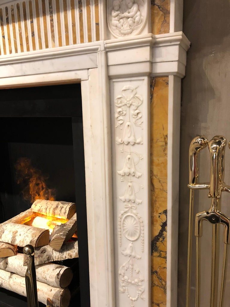 English 19th Century Georgian Mantel in Statuary Marble with Siena Inlay 'NY-156' For Sale