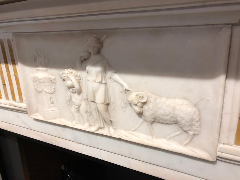 19th Century Georgian Mantel in Statuary Marble with Siena Inlay 'NY-156' In Good Condition For Sale In New York, NY
