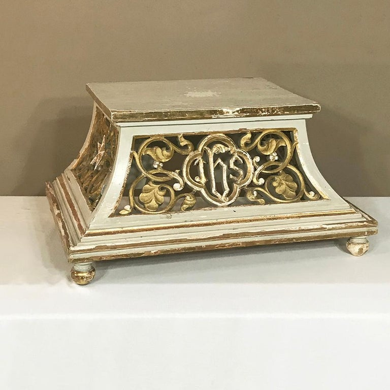 19th Century Gilded and Painted Wood Pedestal For Sale 3