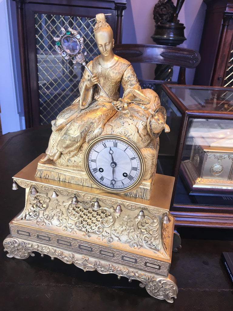 19th Century Gilt Bronze Mantle Clock in the Chinoiserie Taste In Excellent Condition For Sale In London, GB