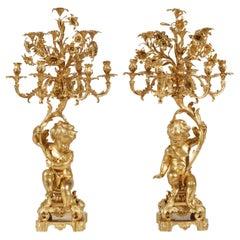 19. Jahrhundert, Paar Kerzenleuchter aus Vergoldeter Bronze im Stil von Louis-XV