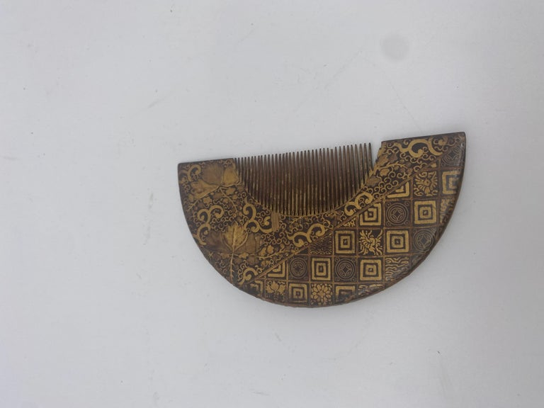 Qing 19th Century Gilt Lacquer Chinese Comb For Sale