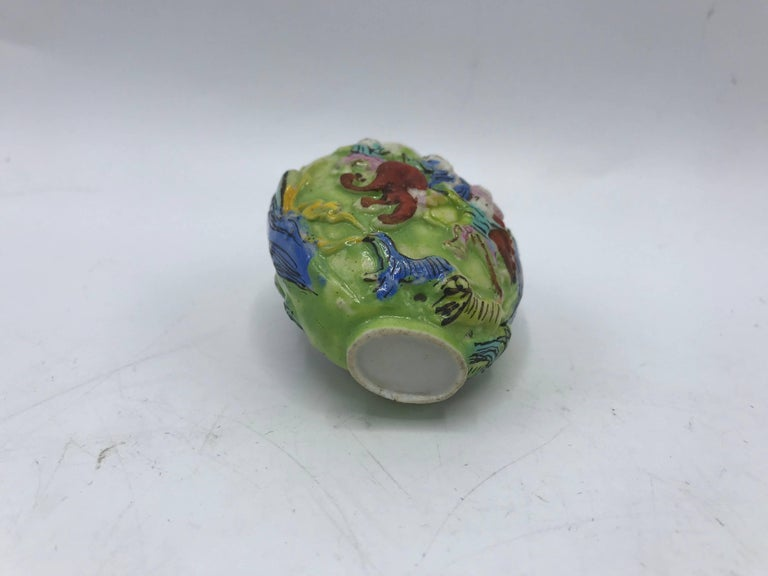 19th Century Green Polychrome Sculptural Snuff Bottle For Sale 1