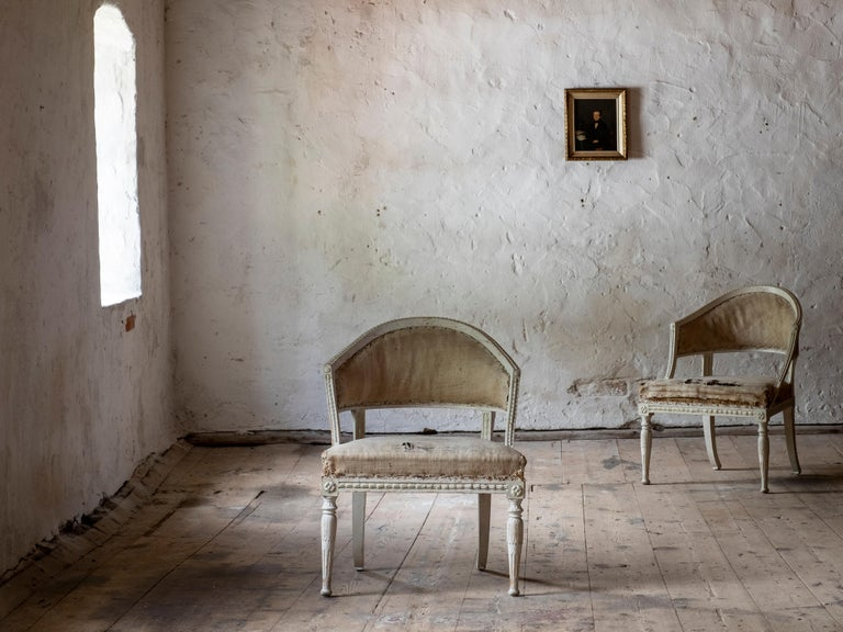 Hand-Painted 19th Century Gustavian Barrel Back Armchairs For Sale