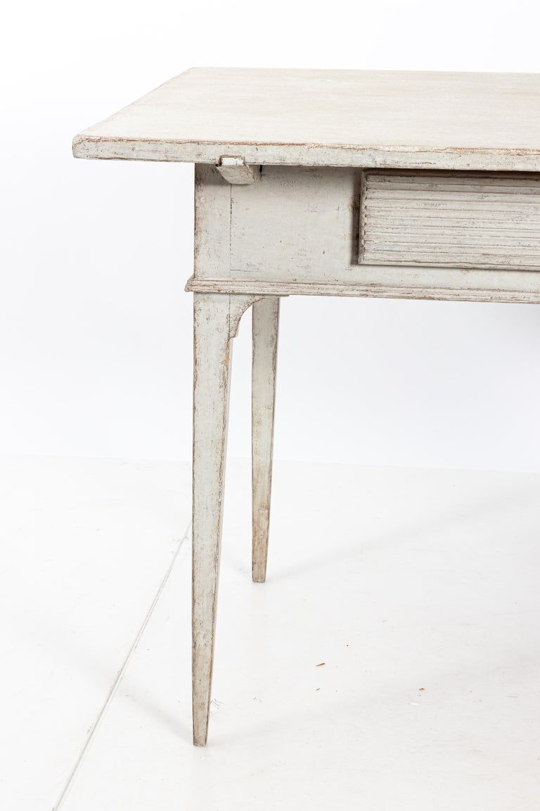 19th Century Gustavian Lamp Table with a Single Drawer In Fair Condition For Sale In South Salem, NY