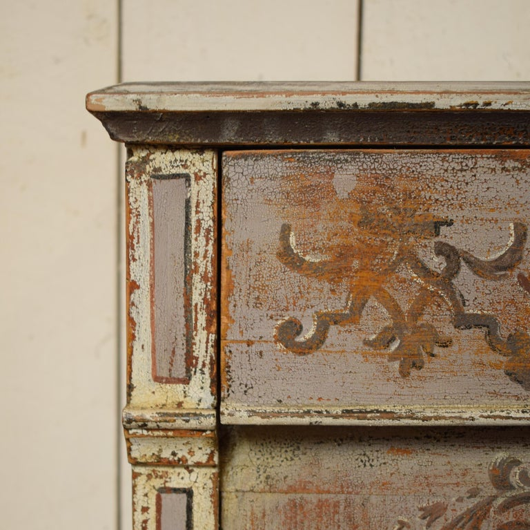 Hand-Painted 19th Century Gustavian Painted Pine Cupboard For Sale