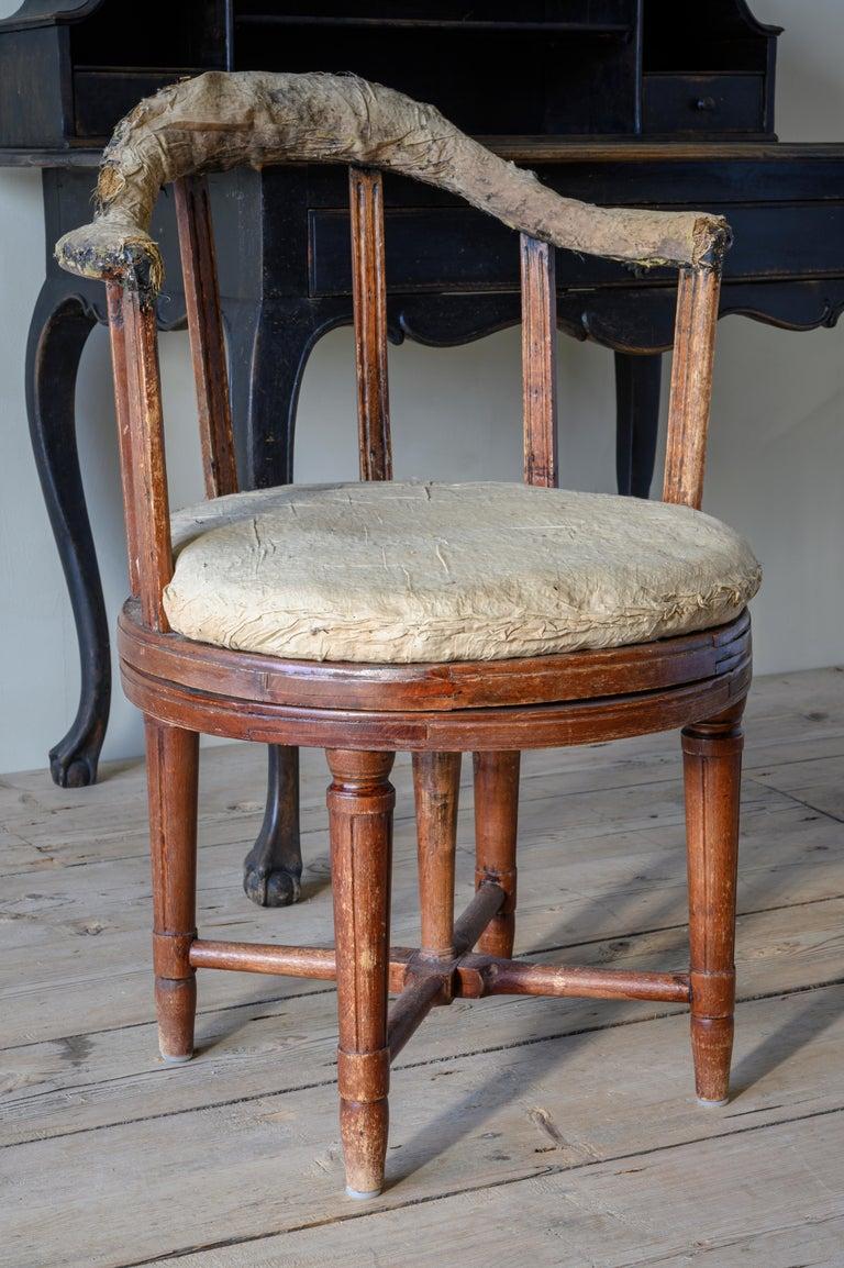Swedish 19th Century Gustavian Revolving Desk Chair For Sale