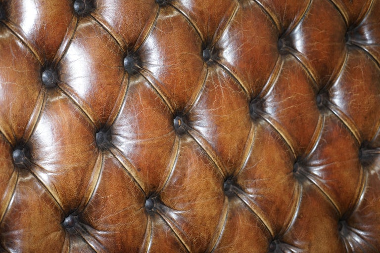 19th Century Hand Carved Hawk Claw and Ball Feet Chesterfield Sofa Brown Leather In Good Condition For Sale In London, GB