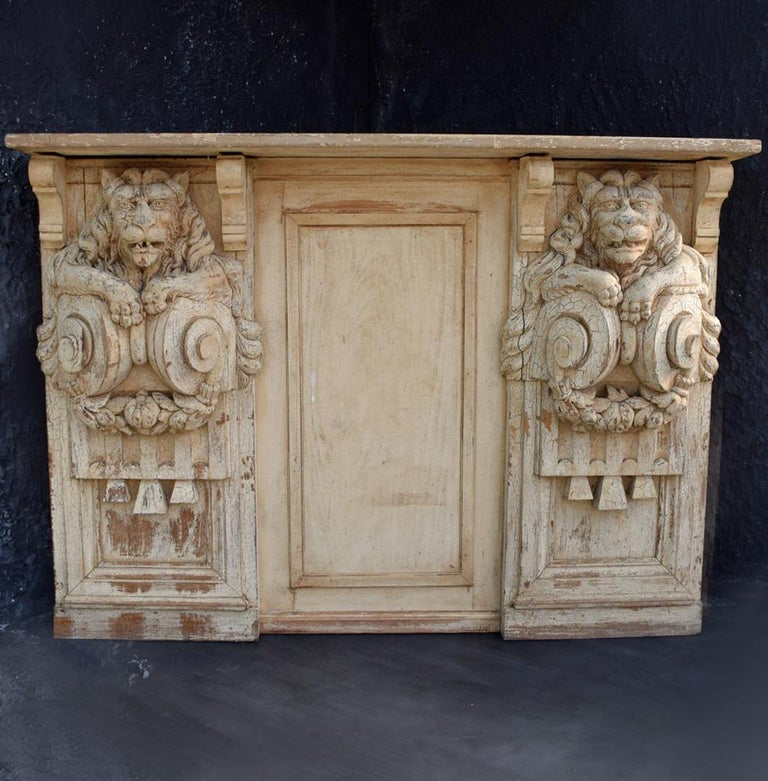 19th Century Hand Carved Lion Console Decorative Unique Furniture In Fair Condition For Sale In London, GB