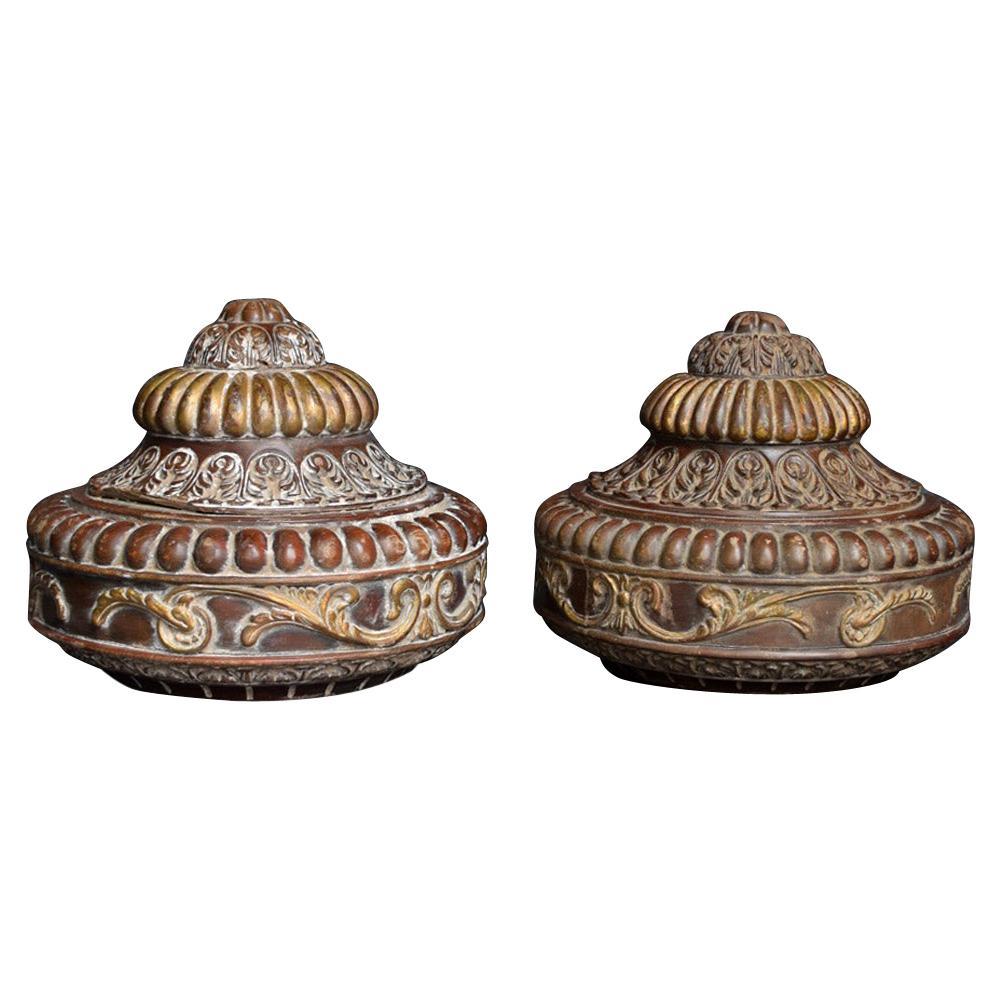 19th Century Hand Carved Walnut Regency Gold Gilded Pair of Boss