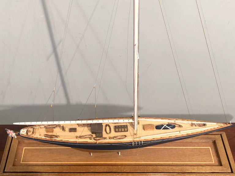 19th Century Hand Modeled Clipper Ship in a Glass and Bronze Case In Good Condition For Sale In Stamford, CT