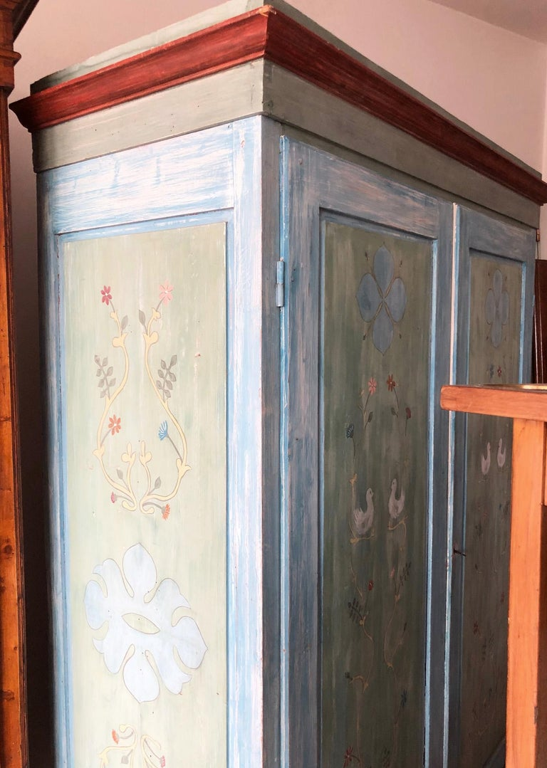 19th Century Hand Painted Tuscan Wardrobe with Two Doors In Good Condition For Sale In Buggiano, IT