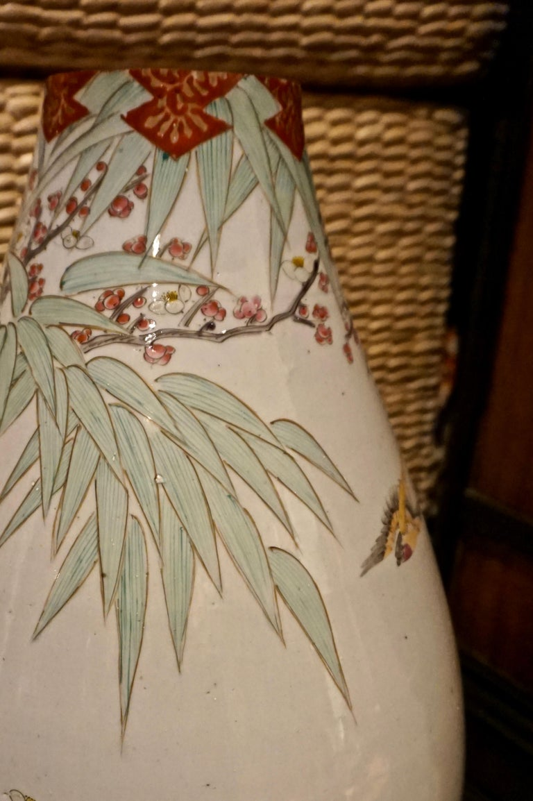 19th Century Handmade Large Japanese Conical Vase with Cranes and Foliage For Sale 4