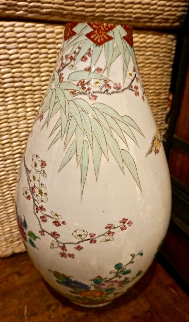 19th Century Handmade Large Japanese Conical Vase with Cranes and Foliage For Sale 5