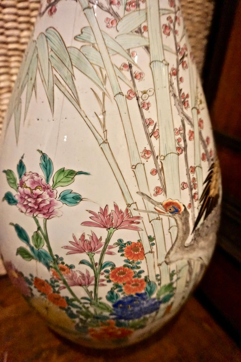 19th Century Handmade Large Japanese Conical Vase with Cranes and Foliage For Sale 1
