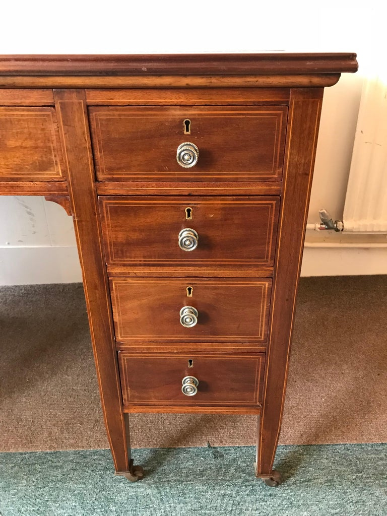 Late 19th Century 19th Century Hepplewhite Mahogany Kneehole Desk For Sale