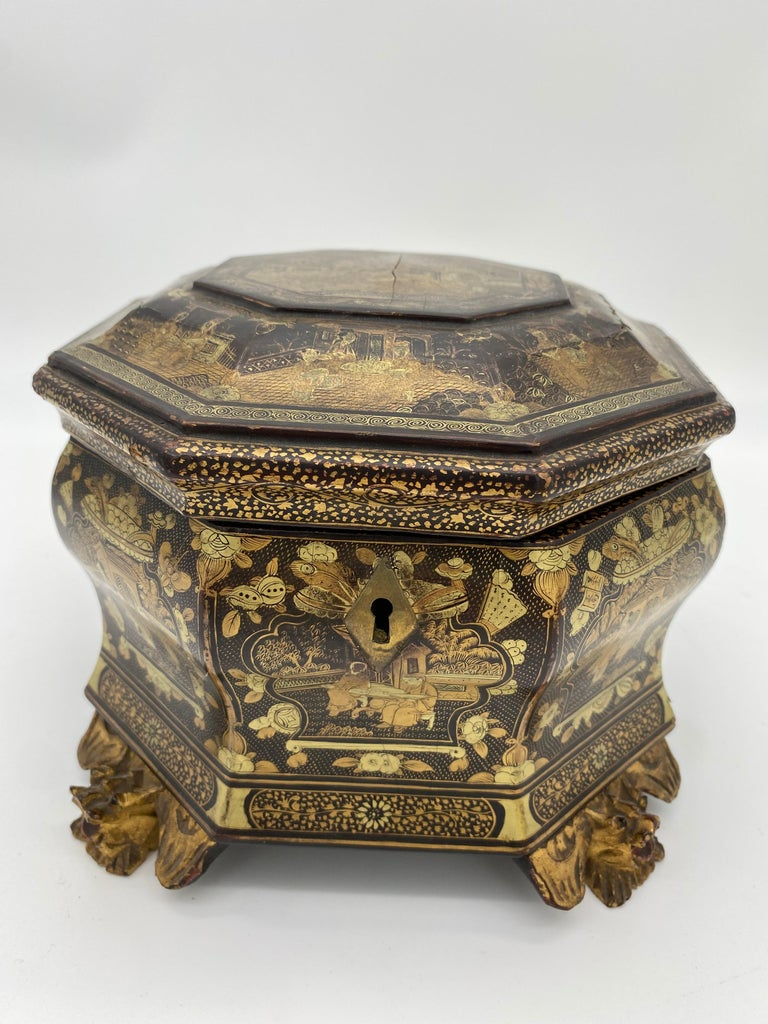 19th century chinoiserie hexagonal-form lift-lid gilt-decorated black lacquer Chinese tea caddy, small and beautiful piece.