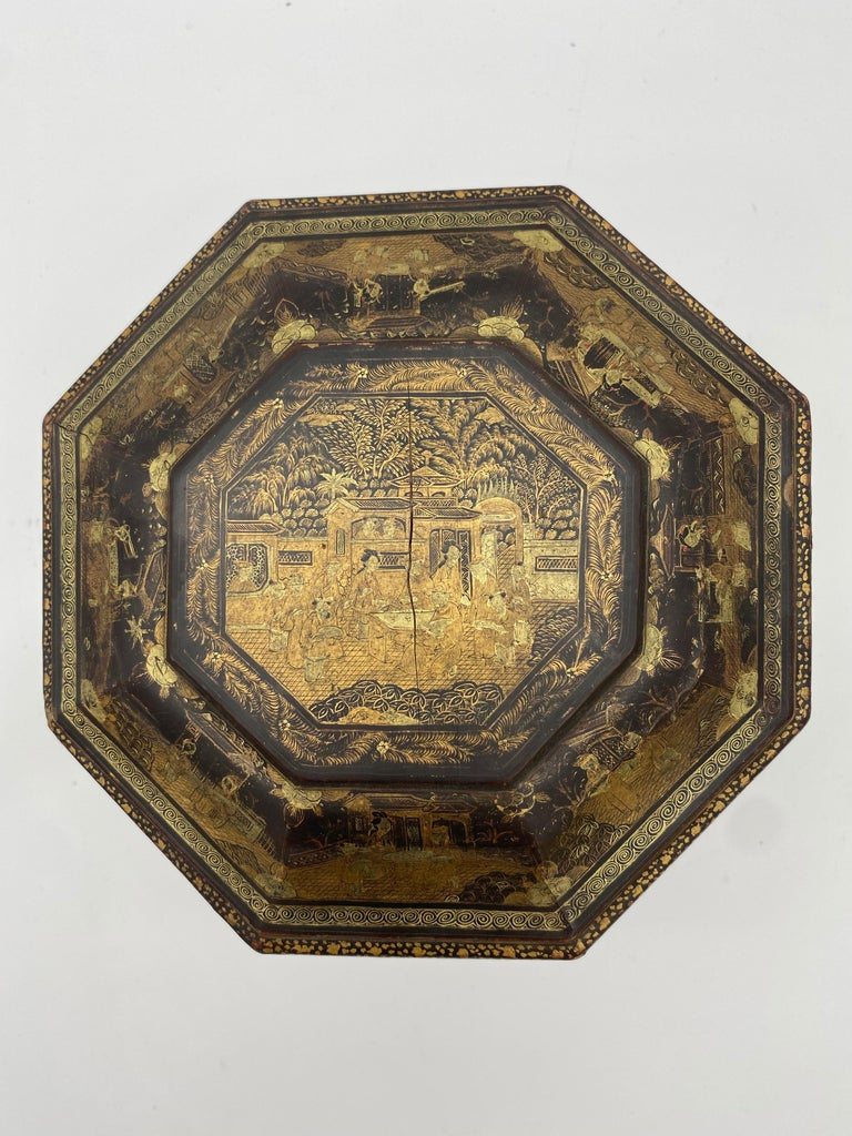 Qing 19th Century Hexagonal Black Lacquer Chinese Tea Caddy For Sale
