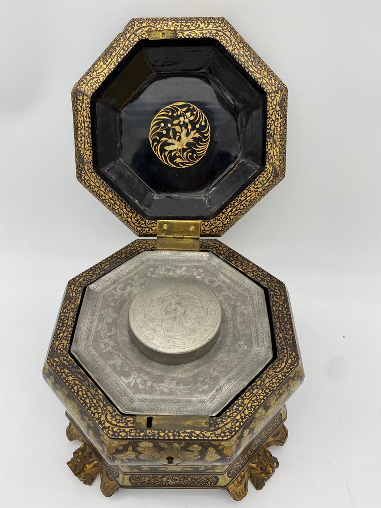 19th Century Hexagonal Black Lacquer Chinese Tea Caddy For Sale 2