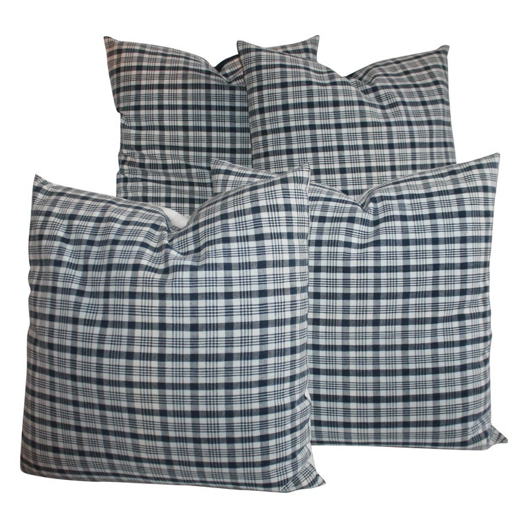 19th Century Homespun Linen Blue and White Pillows, 2 Pairs For Sale