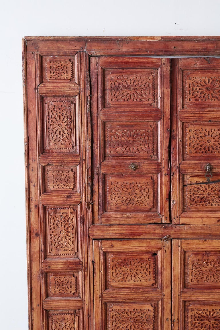 19th Century Indian Carved Panel with Shutter Windows In Distressed Condition For Sale In Oakland, CA