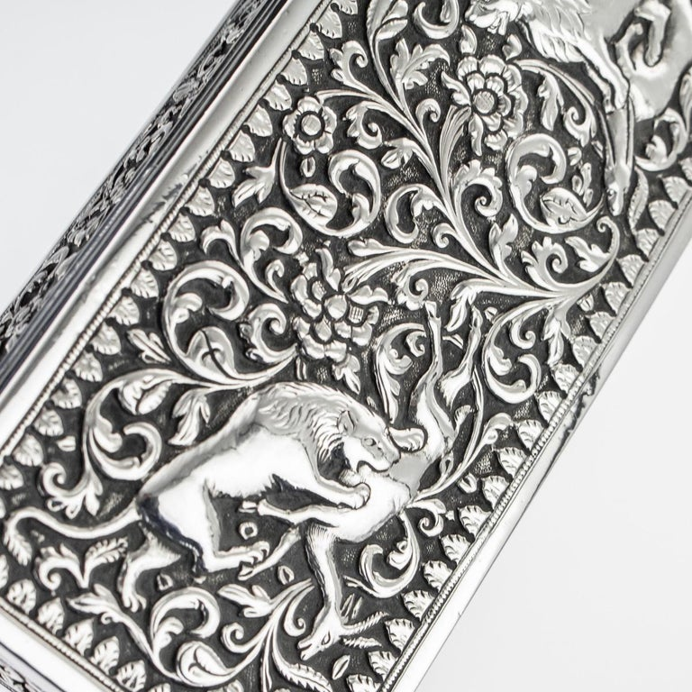 19th Century Indian Colonial Cutch Solid Silver Stamp Box, circa 1890 For Sale 9