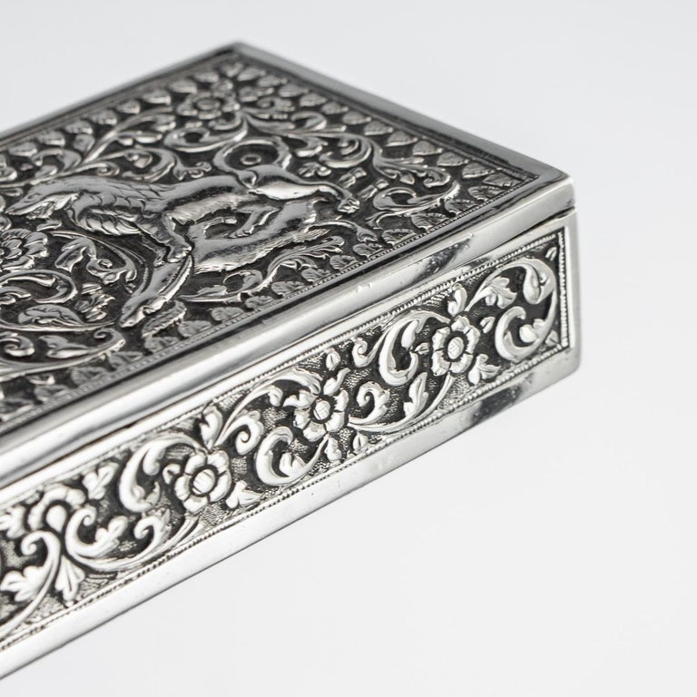 19th Century Indian Colonial Cutch Solid Silver Stamp Box, circa 1890 For Sale 12