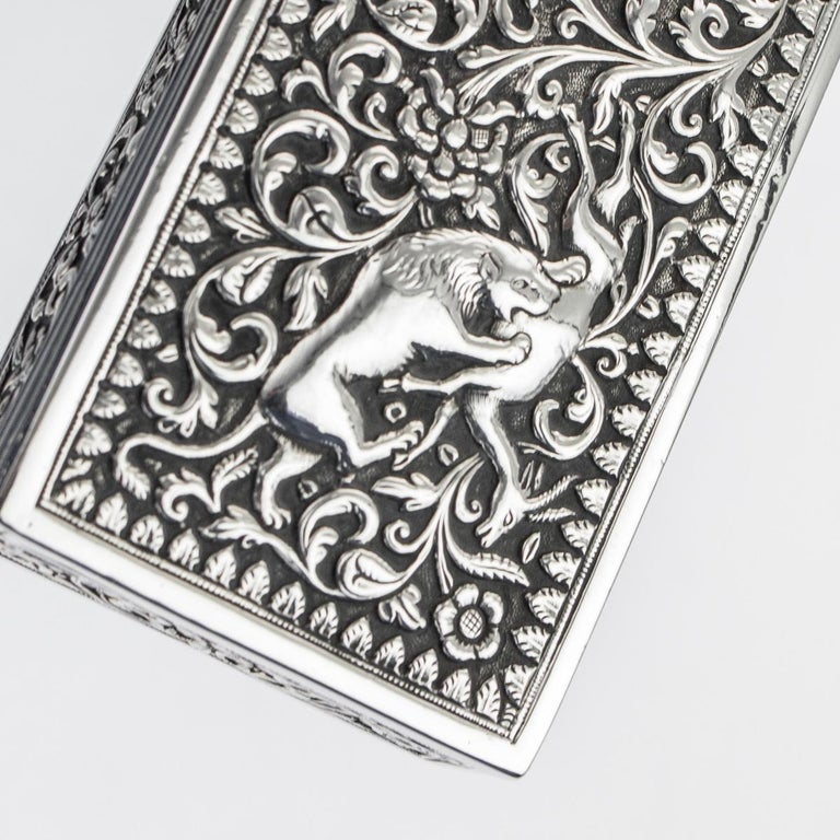 19th Century Indian Colonial Cutch Solid Silver Stamp Box, circa 1890 For Sale 14