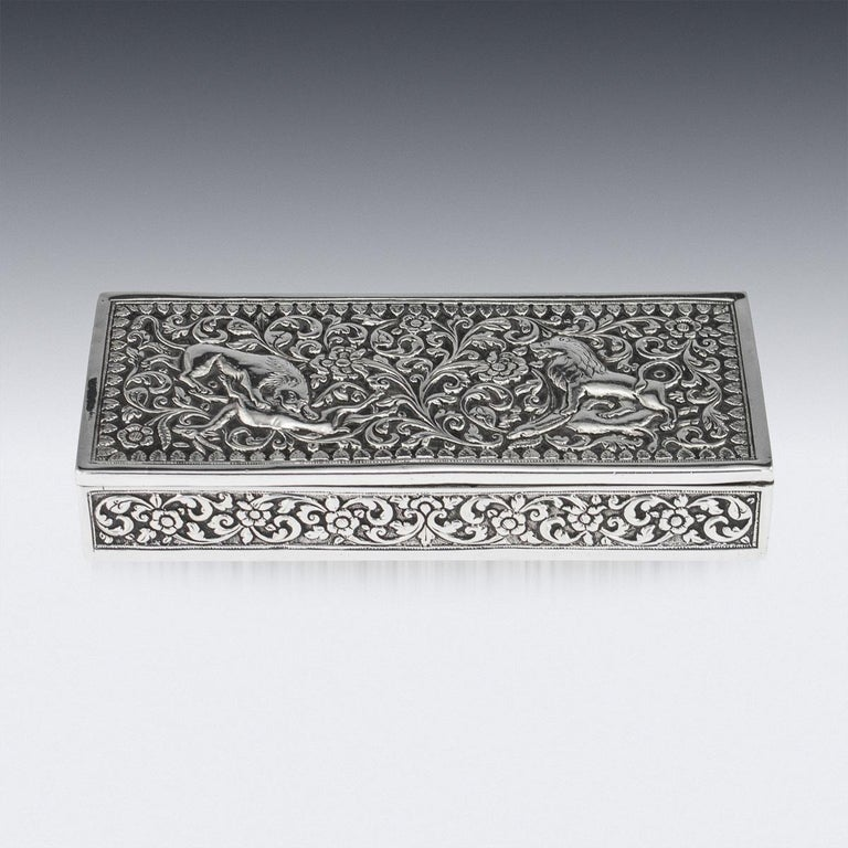 19th Century Indian Colonial Cutch Solid Silver Stamp Box, circa 1890 In Good Condition For Sale In London, London