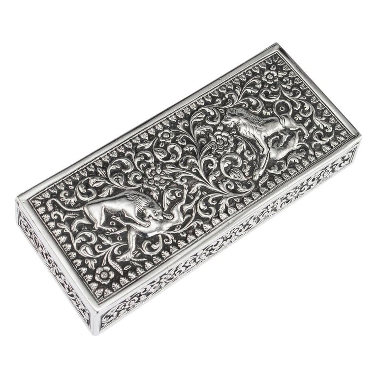 19th Century Indian Colonial Cutch Solid Silver Stamp Box, circa 1890 For Sale