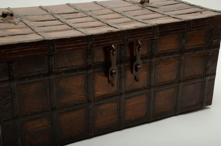 19th Century Iron-Bound Teak Trunk, Rajasthan, India, circa 1860 In Good Condition For Sale In East Hampton, NY