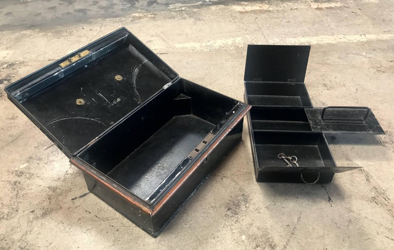 19th Century Italian Antique Safe Iron Box For Sale 1