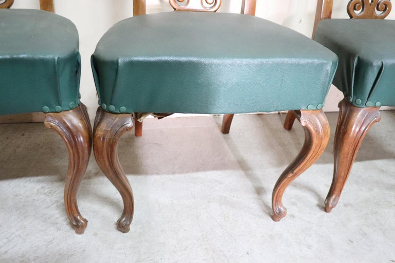 19th Century Italian Art Nouveau Hand Carved Walnut Wood Set of Eight Chairs For Sale 2