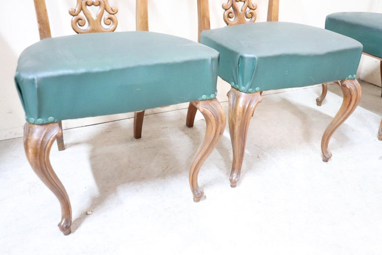 19th Century Italian Art Nouveau Hand Carved Walnut Wood Set of Eight Chairs For Sale 4