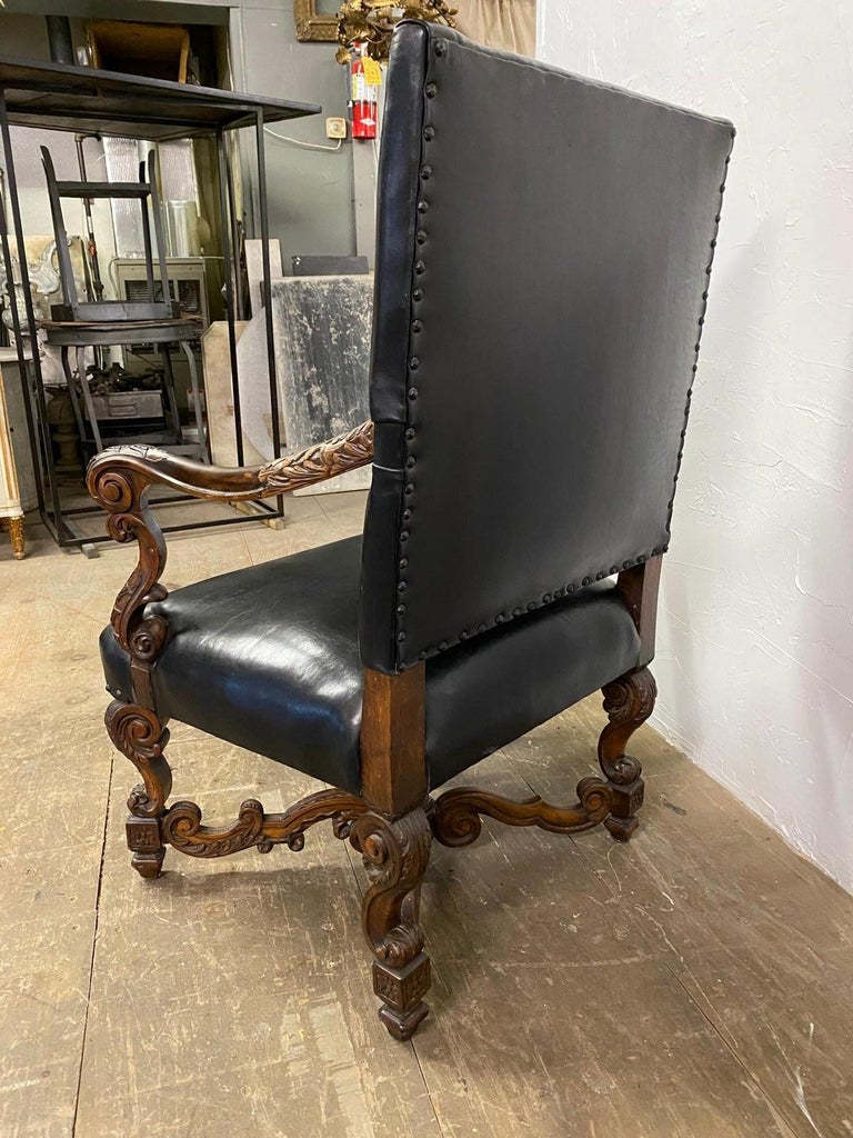 19th Century Italian Baroque Carved Walnut Throne Chair For Sale 2