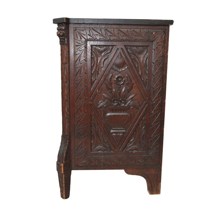 19th Century Italian Carved Dresser For Sale 1