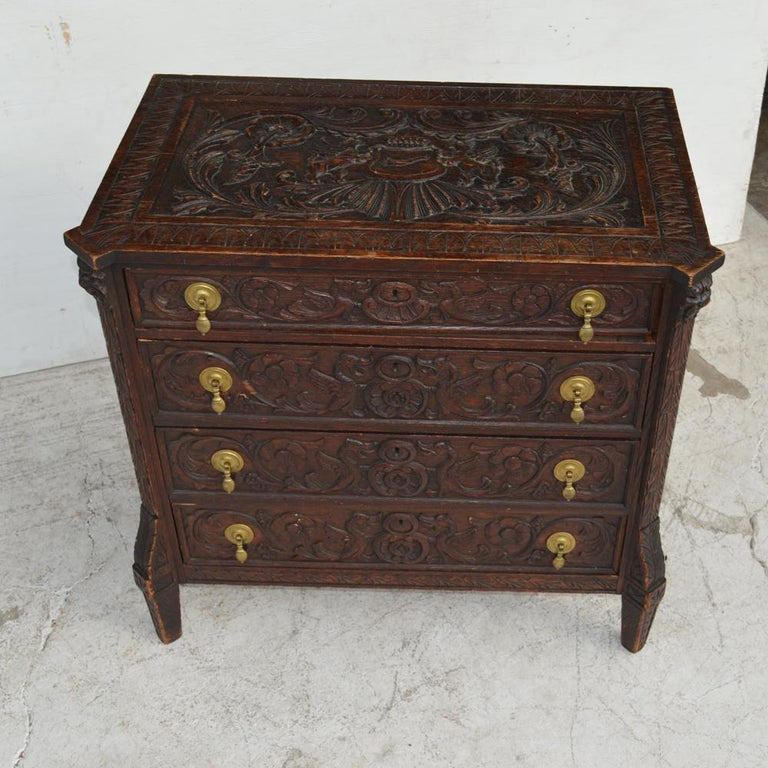 19th Century Italian Carved Dresser For Sale 2