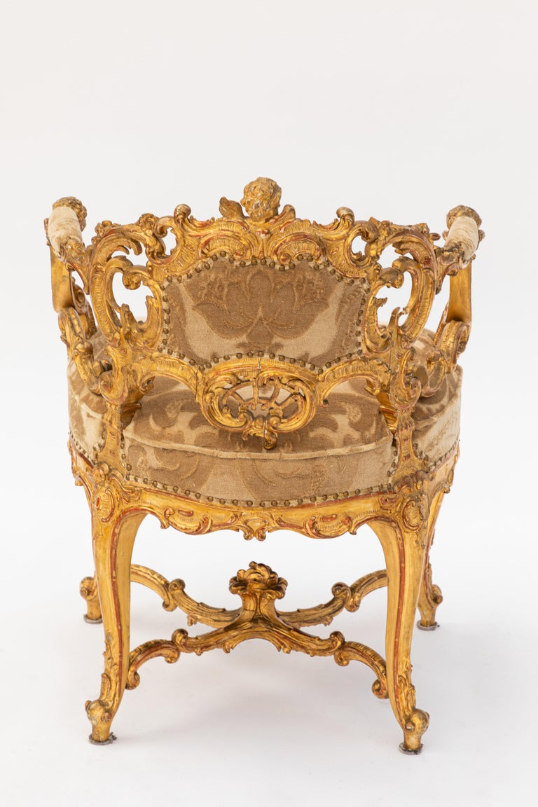19th Century Italian Carved Giltwood Armchair with Cherub Motif For Sale 4