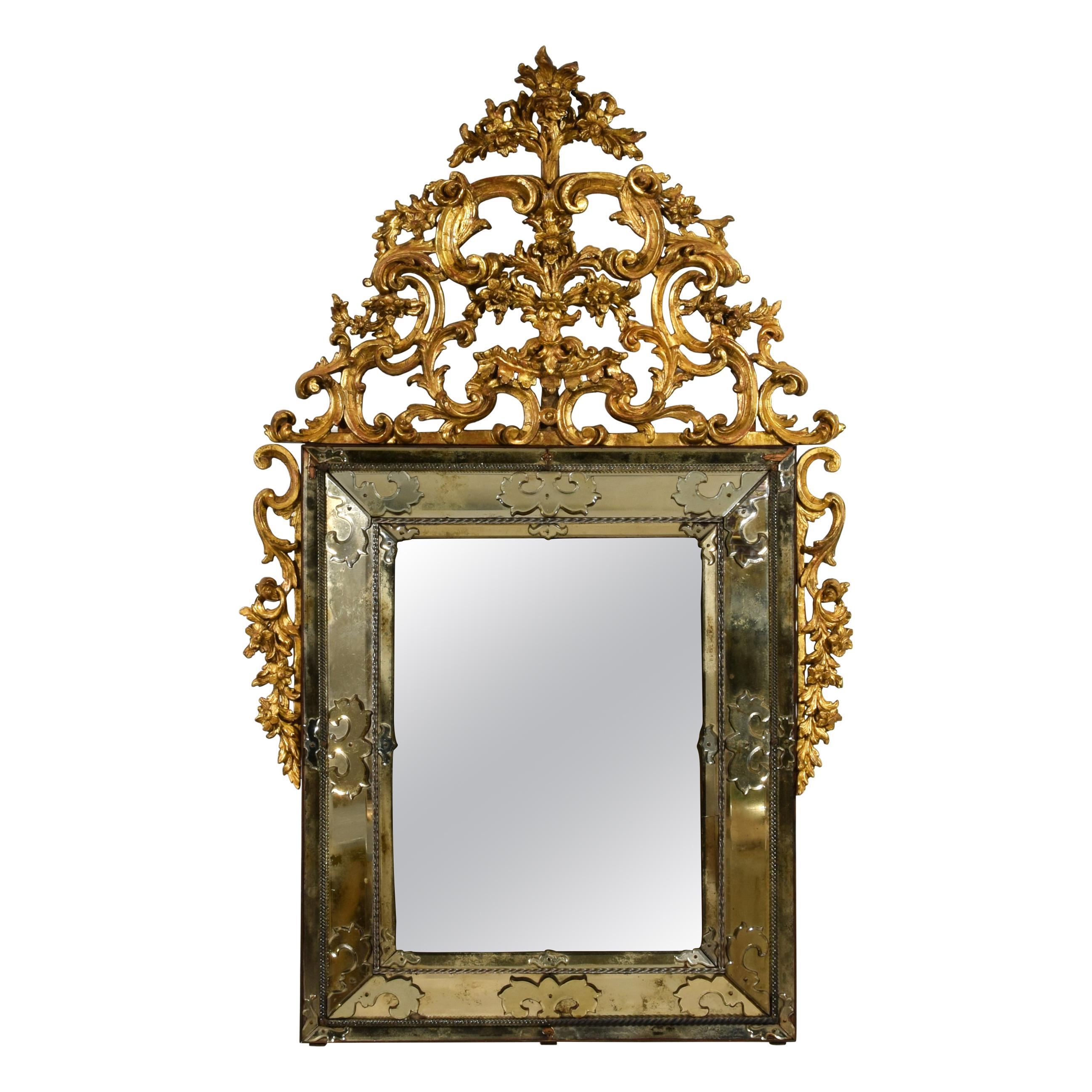 19th Century, Italian Carved Giltwood Mirror, Italy