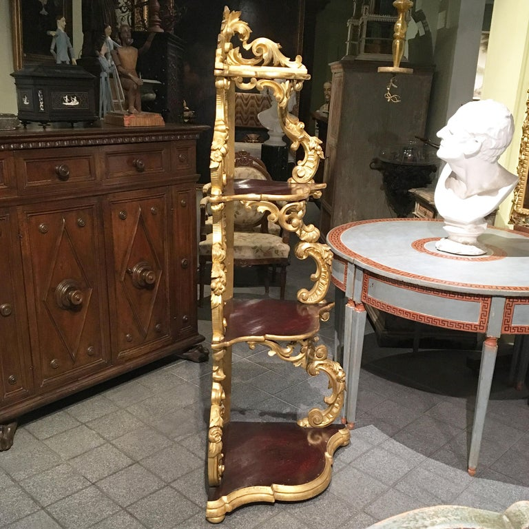 19th Century Italian Carved Louis Philippe Corner Shelf with Gold Leaf Gilding For Sale 10