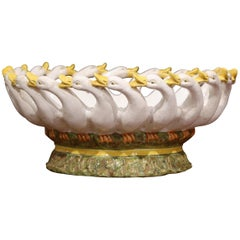 19. Jahrhundert Geschnitzt Italienisch Bemalte Keramik Schüssel Mittelstück mit Gans Dekor