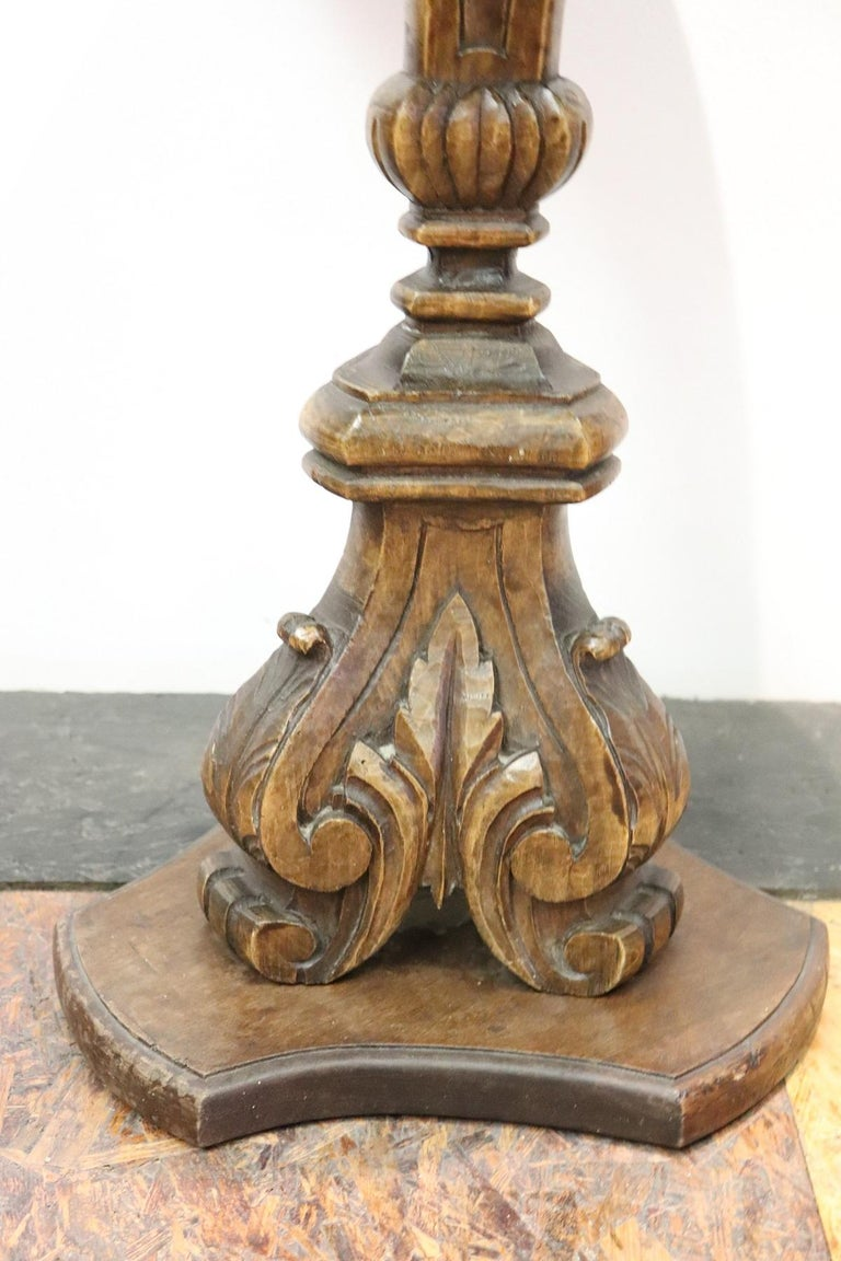 19th Century Italian Carved Walnut Round Side Table or Pedestal Table For Sale 1