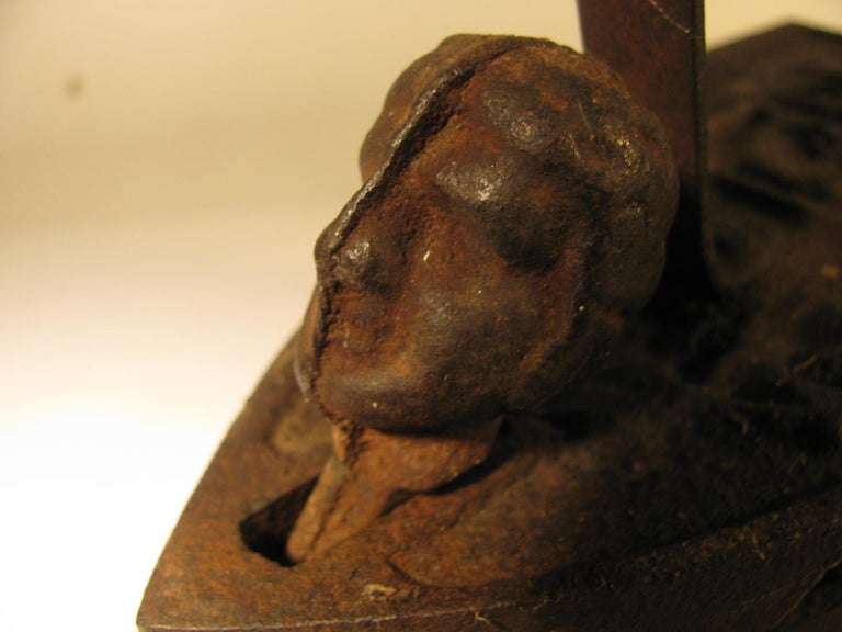19th Century Italian Cast Iron Coal Powered Iron For Sale 1