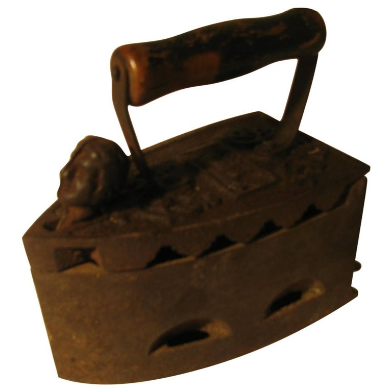 19th Century Italian Cast Iron Coal Powered Iron For Sale